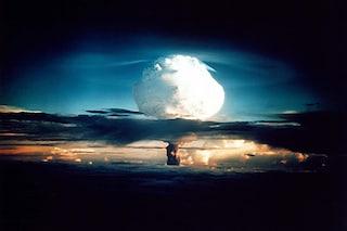 7 esplosioni nucleari devastanti che hanno cambiato la storia