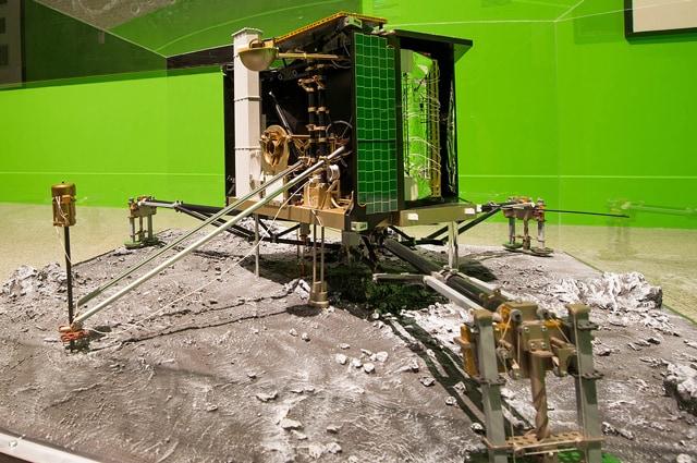 Un modello del lander Philae, il primo nella storia ad 'accometare' - Foto di DLR German Aerospace