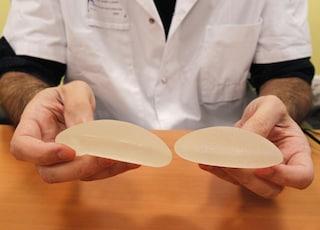 Le protesi al seno sono cancerogene per la giustizia francese, non per la scienza