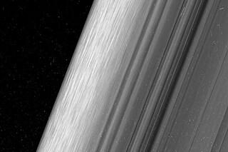 Le immagini degli anelli di Saturno lasciano senza parole: così non li avevamo mai visti