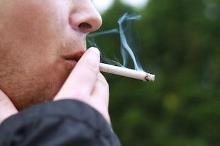 Cancro: chi fuma ha il 40% di probabilità in meno di guarire dal melanoma, ecco perché