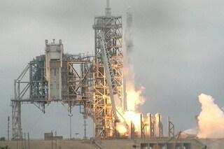 Take away nello spazio: decollato il razzo Falcon-9 che porta da mangiare agli astronauti