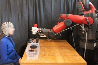 Con la telepatia possiamo controllare questo robot