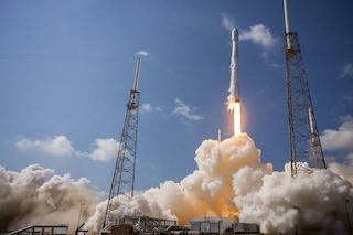 Il razzo di Musk ha bucato l'atmosfera: il Falcon 9 ha creato una voragine di 900 chilometri