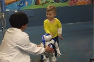 In ospedale arriva Marino, il robot che aiuta i bimbi malati a superare la paura
