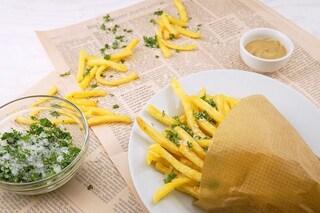 Sfatato un mito: mangiare salato non fa venire sete. Però fa ingrassare: ecco perché