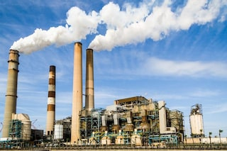 Un bambino su tre, in Italia, è malato per colpa dell'inquinamento: si sta peggio al Nord