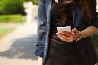 La dipendenza da smartphone ci rende depressi, impulsivi e poco produttivi
