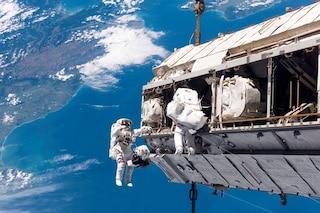 Passeggiata nello spazio a sorpresa per gli astronauti: guasto a un computer della ISS
