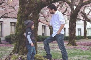 Il cervello dei bambini che giocano con i papà è più sviluppato