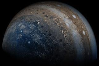 Giove non è come ci aspettavamo: la NASA sorpresa dalle nuove scoperte della sonda Juno
