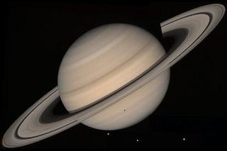 Saturno, pioggia dagli anelli e un campo magnetico assurdo: le ultime scoperte di Cassini