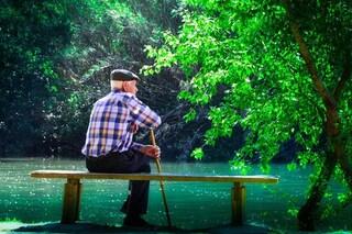 Cancro, boom di diagnosi negli anziani: entro il 2040 il 70% dei tumori colpirà gli over 65