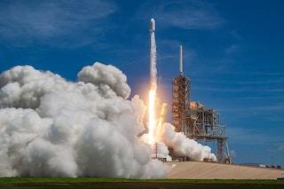 SpaceX, nuovo record per Elon Musk: due razzi nello spazio in 48 ore. Ecco a cosa servono