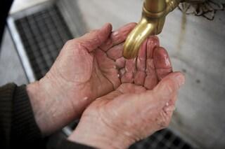 L'acqua fredda è efficace quanto quella calda per rimuovere i germi quando laviamo le mani