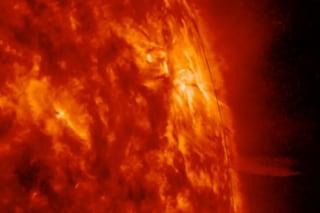 Lingue di plasma dal Sole: scoperto dopo 140 anni cosa sono questi getti misteriosi