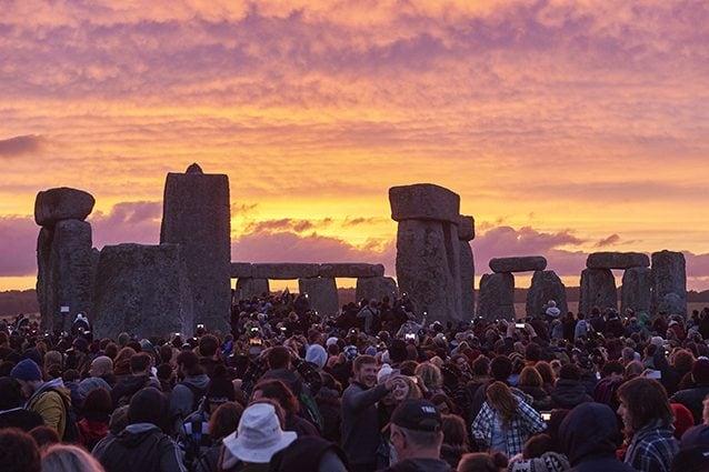 Celebrazioni del solstizio d'estate a Stonehenge, nell'Inghilterra del Sud (Getty).