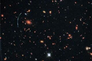 C'è una galassia nascosta ed 'esplosiva' lontana dalla Via Lattea: la scoperta di Hubble