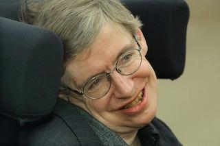Hawking, dai buchi neri alla Teoria del tutto, le scoperte che hanno cambiato la nostra storia