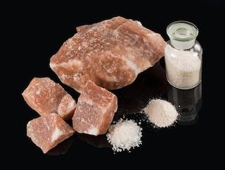 Il sale rosa dell'Himalaya, una moda salutista priva di fondamento