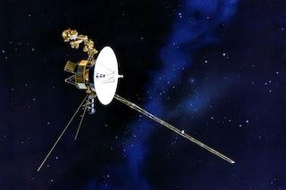 La sonda Voyager 1 ha raggiunto la stratosferica distanza di 20 ore luce dalla Terra