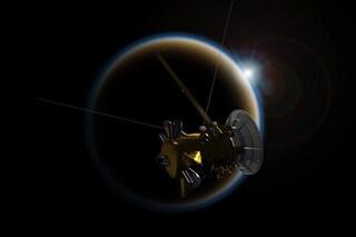 Cassini saluta Titano con un ultimo 'bacio d'addio' prima di schiantarsi su Saturno