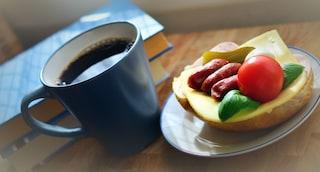 Come la colazione ci salva la vita riducendo il rischio obesità e diabete: la scoperta