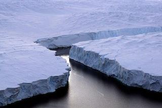 Iceberg grande 4 volte Manhattan si è staccato in Antartide: cosa sta succedendo