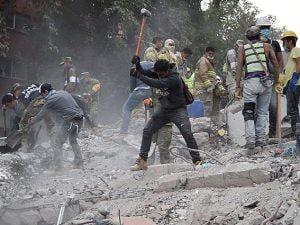 Distruzione a Città del Messico dopo il terremoto del 19 settembre (Getty).