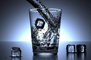Gli americani vogliono bere acqua 'pura': perché questa moda è pericolosa e irrispettosa