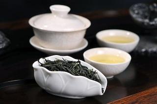 Il tè nero fa dimagrire: come modifica i batteri dell'intestino per farci perdere peso