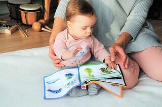 I bimbi di 10 mesi capiscono i nostri sforzi e le leggi della fisica: com'è possibile