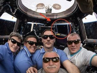 Finestrino aperto sulla Stazione spaziale? Ci credono solo i terrapiattisti