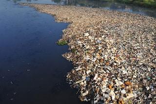 Una nuova pericolosa isola di plastica a casa nostra, nel Mediterraneo: ecco dove
