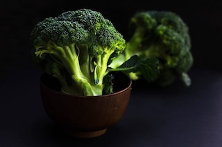 Broccoli come cura contro il cancro: con i batteri intestinali bloccano le cellule tumorali