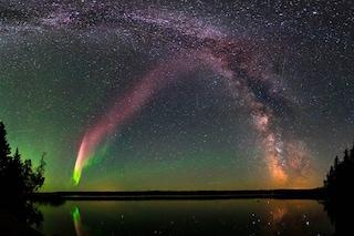 STEVE, l'anomala aurora boreale, non è quello che pensavano: risolto il mistero