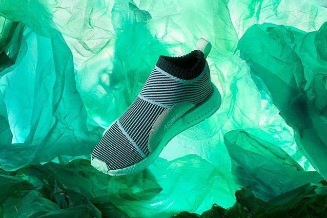 adidas scarpe con plastica riciclata