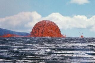 Cos'è questa assurda bolla di lava infuocata spuntata alle Hawaii