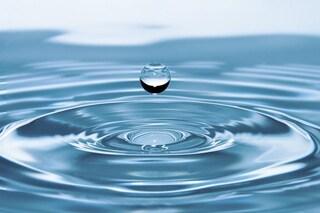 Super laser riscalda l'acqua a 100.000° in un istante e genera lo stato di plasma