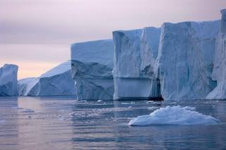 Lo scioglimento dei ghiacci è una bomba a orologeria: così accelera il riscaldamento globale