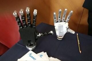 Hannes, è italiana la mano bionica che si muove con il pensiero e ha una presa perfetta
