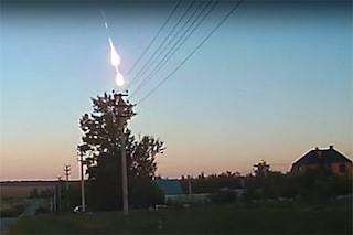 Meteora esplode 'in volo' in Russia: le sorprendenti immagini