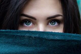 I narcisisti si riconoscono anche dalle sopracciglia: ecco come sono