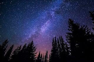 Eclissi del secolo, stelle cadenti e congiunzioni astrali: il cielo di luglio dà spettacolo