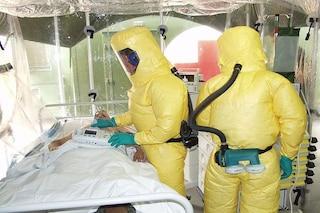Donna contagia i suoi familiari con l'Ebola a un anno dalla guarigione: com'è possibile