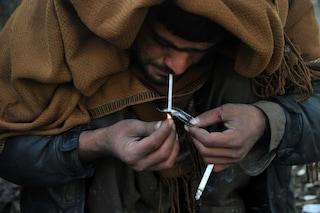 Fumare l'eroina invece di iniettarla non è meno pericoloso