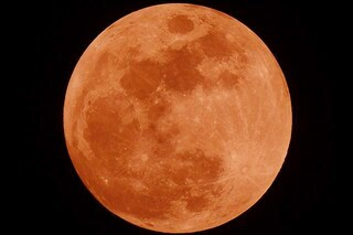 Eclissi di Luna totale più lunga del secolo: tutto quello che devi fare per non perderti lo spettacolo