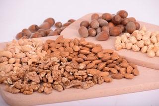 Lo sperma migliora con una dieta ricca di noci, noccioline e mandorle