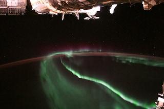 L'aurora boreale d'agosto che ha lasciato senza fiato gli astronauti nello spazio: lo scatto