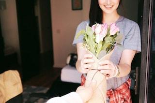 Essere gentili ci fa sentire bene e finalmente sappiamo perché